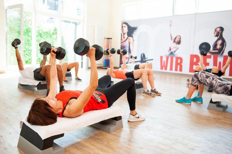 אימון אירובי VS אימון כוח: מה יותר בריא לגוף?