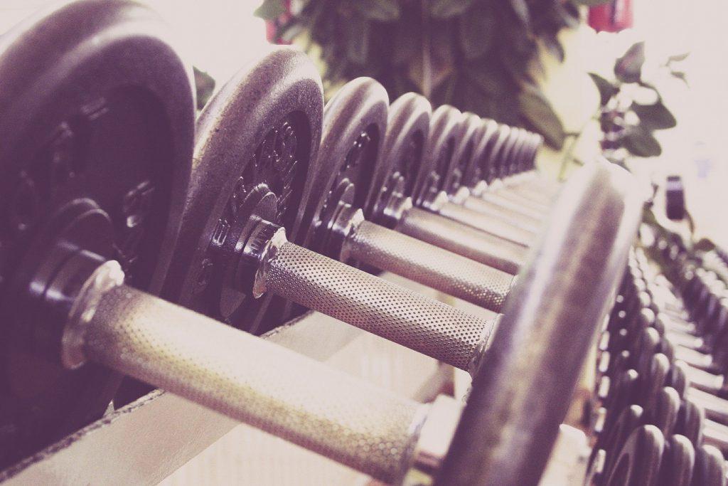 אימון אירובי VS אימון כוח מה יותר בריא לגוף